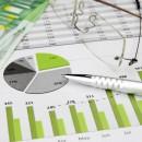 Financieel rapport met groene charts
